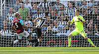 Newcastle United's Ciaran Clark scores his side's second goal <br /> <br /> Photographer Rob Newell/CameraSport<br /> <br /> The Premier League - Newcastle United v West Ham United - Saturday 26th August 2017 - St James' Park - Newcastle<br /> <br /> World Copyright &copy; 2017 CameraSport. All rights reserved. 43 Linden Ave. Countesthorpe. Leicester. England. LE8 5PG - Tel: +44 (0) 116 277 4147 - admin@camerasport.com - www.camerasport.com
