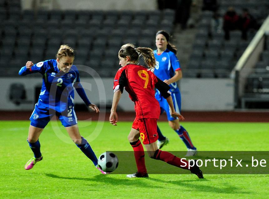 Iceland : UEFA Women's Euro Qualifying group stage (Group 3) - 21/09/2011 - 21:30CET (19:30 local time) - Laugardalsvöllur - Reykjavik : ICELAND (ijsland) - BELGIUM ( Belgie) : Tessa Wullaert aan de bal voor Sif Atladottir..foto DAVID CATRY / Vrouwenteam.be
