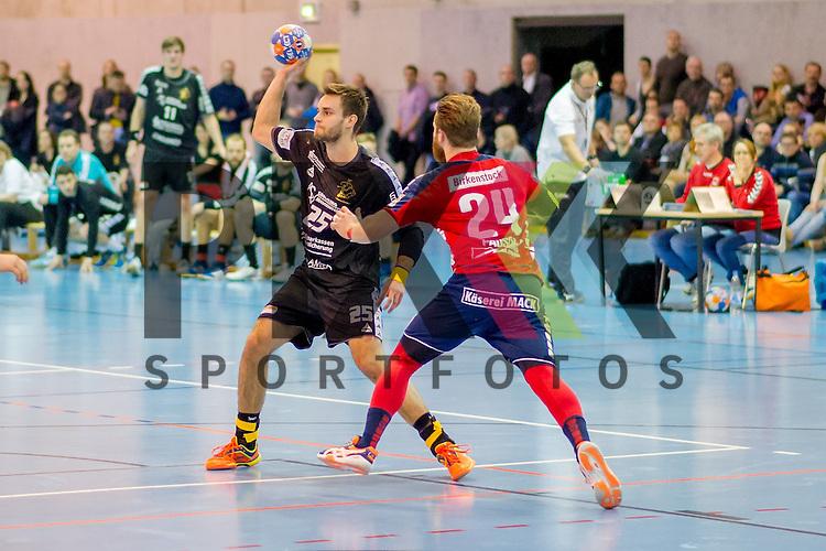 v.l. Sebastian Gress (25, HC Elbflorenz 2006), am Ball Sven Pausch (24, TV Huettenberg), im Spiel HC Elbflorenz - TV Huettenberg.<br /> <br /> Foto &copy; PIX-Sportfotos *** Foto ist honorarpflichtig! *** Auf Anfrage in hoeherer Qualitaet/Aufloesung. Belegexemplar erbeten. Veroeffentlichung ausschliesslich fuer journalistisch-publizistische Zwecke. For editorial use only.