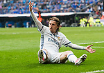 Luka Modric (r) of Real Madrid reacts during their La Liga match between Real Madrid and Valencia CF at the Santiago Bernabeu Stadium on 29 April 2017 in Madrid, Spain. Photo by Diego Gonzalez Souto / Power Sport Images