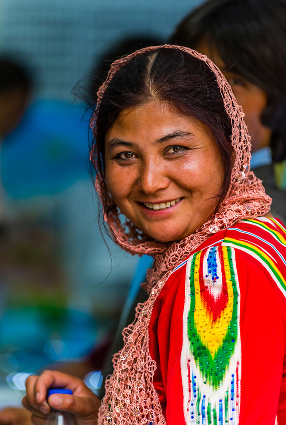 Uyghur woman, Yarkand, on the Southern Silk Road (it was an important caravan town), at the southern edge of the Taklamakan Desert. Xinjiang Province, China. Uyghur people are a Central Asian people of Muslim Turkic origin. They are China's largest minority group.