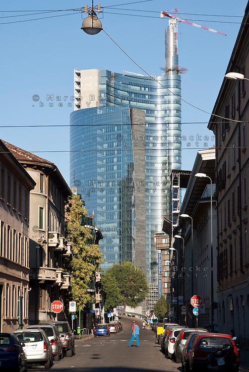 """Milano, nuovo grattacielo nell'ambito del progetto di riqualificazione dell'area di Porta Nuova --- Milan, a new skyscraper for the requalification of the """"Porta Nuova"""" area"""