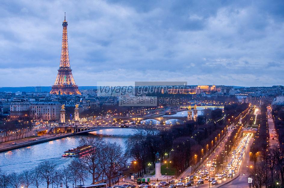 Europe/France/Ile-de-France/75/Paris: La Seine et la Tour Eiffel