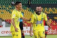 BUCARAMANGA - COLOMBIA, 11-08-2019: John Fredy Perez del Bucaramanga celebra después de anotar el segundo gol de su equipo durante partido por la fecha 5 de la Liga Águila II 2019 entre Atlético Bucaramanga y Cúcuta Deportivo jugado en el estadio Alfonso Lopez de la ciudad de Bucaramanga. / John Fredy Perez (R) of Bucaramanga celebrates after scoring the second goal of his team during match for the date 5 of the Liga Aguila II 2019 between Atletico Bucaramanga and Cucuta Deportivo played at the Alfonso Lopez stadium of Bucaramanga city. Photo: VizzorImage / Oscar Martinez / Cont