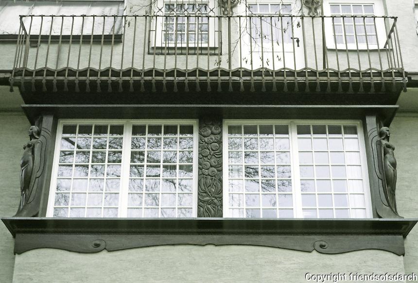 Josef Maria Olbrecht: Gluckert House, Darmstadt.  Detail of windows. Photo '87.