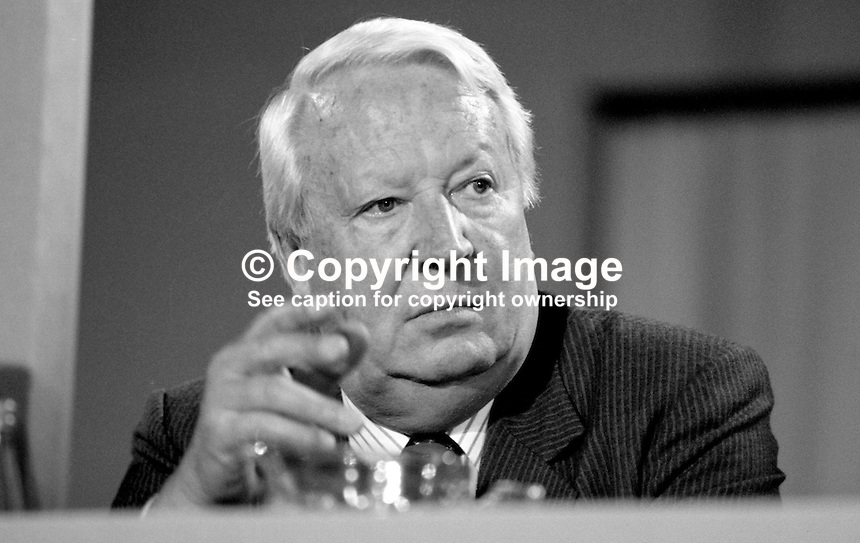 Edward Heath, aka Ted Heath, MP, Conservative Party, former prime minister, on platform at annual conference. 19871039EH2.<br />