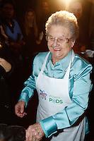 SAO PAULO, SP, 25 DE JULHO DE 2013. EVENTO P&G - ARIEL.A apresentadora Palmirinha durante o lançamento do  novo produto da P&G, Ariel Power Pods, na manhã desta quinta feira (25), no Hotel Tivoli, na região central da capital paulista.  Ariel Power Pods é um sabão em pó em cápsulas para maquina de lavar. FOTO ADRIANA SPACA/BRAZIL PHOTO PRESS