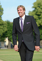 Berlin, Basketballspieler Dirk Nowitzki am Mittwoch (19.06.13) in Berlin vor Schloss Charlottenburg auf dem Roten Teppich des Empfangs für den US-amerikanischen Praesident Barack Obama in Berlin. Foto: Michael Gottschalk/CommonLens