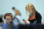 21.10.2012, O2 World, Berlin, GER, FINA World Cup Berlin 2012 im Bild Britta Steffen (GER) ist mit Ihrem Smartphone besch&auml;ftigt/beschaeftigt Portrait/Portr&auml;t<br /> <br /> Foto &copy; nph / Schulz *** Local Caption ***