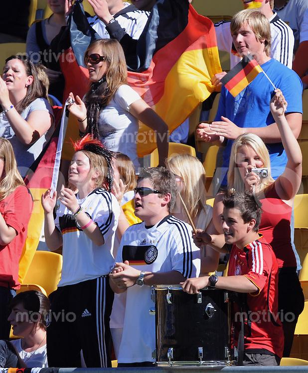 Fussball Frauen FIFA U 17  Weltmeisterschaft 2008    08.11.2008 Viertelfinale Deutschland - Kanada GER Fans jubeln