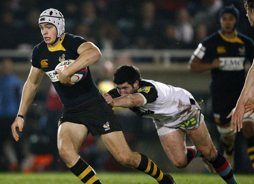 Photo: Richard Lane/Richard Lane Photography. London Wasps A v Harlequins A. Aviva A League. 01/11/2010. Wasps' Chris Elder attacks.