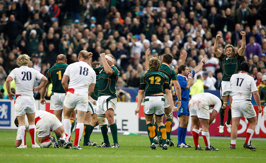 Photo: Richard Lane/Richard Lane Photography..England v South Africa. The Final of the IRB Rugby World Cup, RWC 2007. 20/10/2007. .South Africa celebrate on the final whistle.