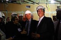 SÃO PAULO,SP,05 SETEMBRO 2013 - FERNANDO HADDAD MOOCA - O prefeito de São Paulo Fernando junto com o secretario da cultura Juca Ferreira Juca Ferrreira  Haddad esteve na manhã desta quinta feira visitoriando as obras do Teatro Arthur Azevedo na Mooca.FOTO ALE VIANNA - BRAZIL PHOTO PRESS.