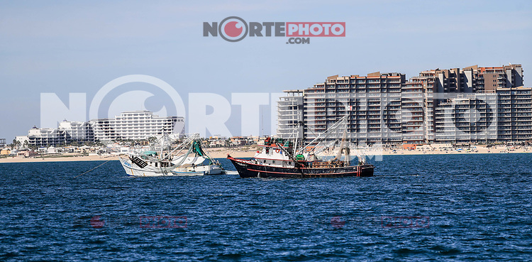 View of the sea, ocean, beach, condominiums, hotels, real state. tourist destination called Puerto Peñasco, Sonora, Mexico. Gulf of California tourist destination called Puerto Penasco, Sonora, Mexico. Boat, boat, yacht, boat, fishing boat, fishing,<br />