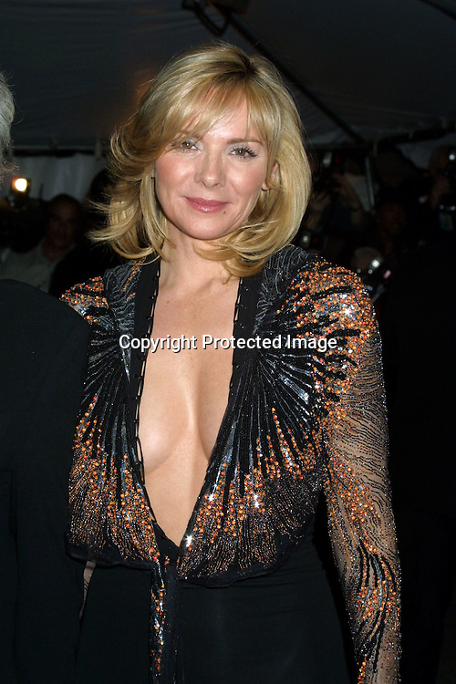 "©2003  AURA BLANDINO/ HUTCHINS PHOTO.THE METROPOLITAN MUSEUM'S COSTUME INSTITUE GALA FOR THE ""GODDESS EXHIBIT"".METROPOLITAN MUSEUM  NEW YORK, NY..APRIL  28,2003.KIM CATTRALL"