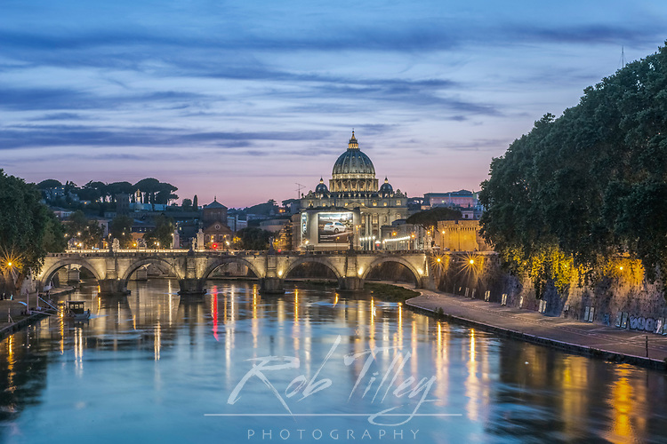 Europe, Italy, Rome, Tiber River Sunset