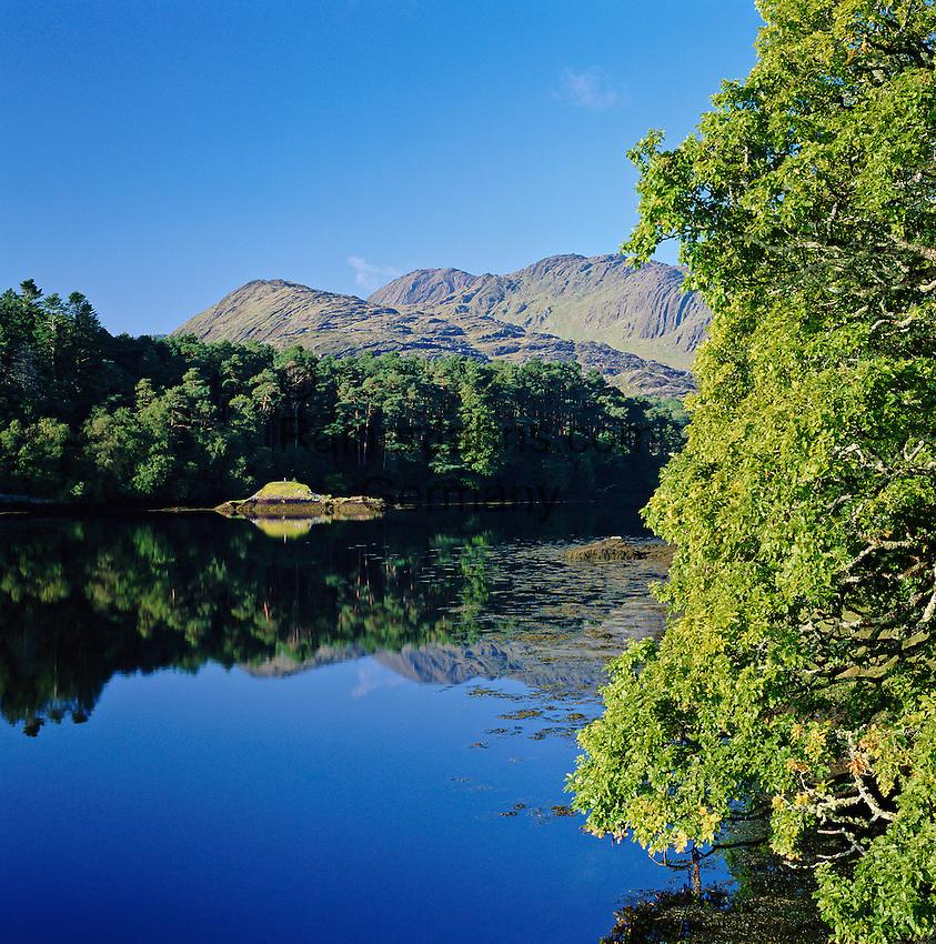 Ireland, County Kerry, Beara Peninsula, near Lauragh: Scenic View at Glanmore Lake | Irland, County Kerry, Beara Peninsula, bei Lauragh: Landschaft am Glanmore Lake
