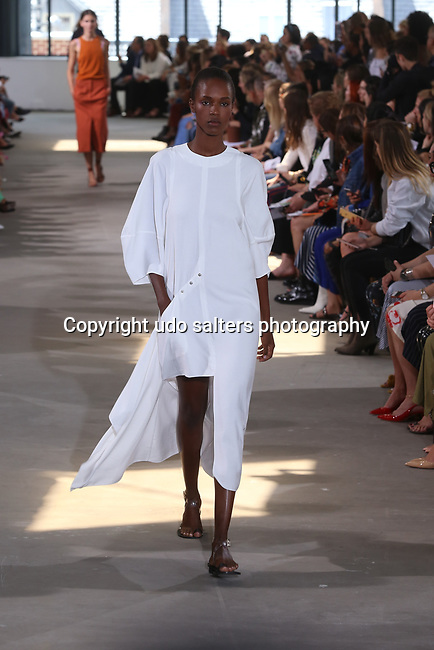 Tibi Spring 2018 Runway Fashion Show