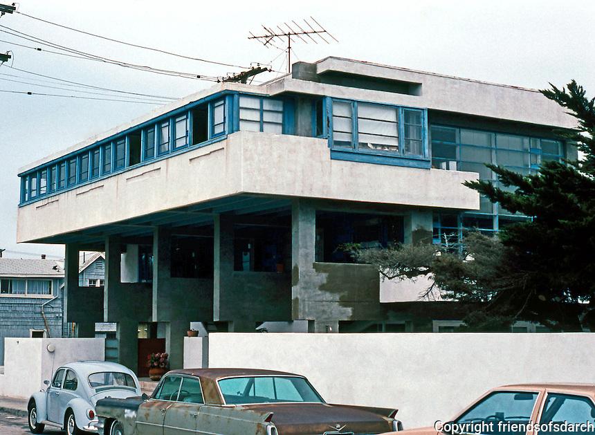 Rudolph Schindler: Lovell Beach House, Balboa. 1922-1926.