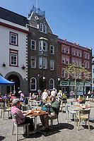 Royaume-Uni, îles Anglo-Normandes, île de Guernesey, Saint Peter Port:  Market Street // United Kingdom, Channel Islands, Guernsey island, Saint Peter Port: Market Street