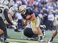 Annapolis, MD - October 21, 2017: Navy Midshipmen quarterback Zach Abey (9) runs the ball during the game between UCF and Navy at  Navy-Marine Corps Memorial Stadium in Annapolis, MD.   (Photo by Elliott Brown/Media Images International)