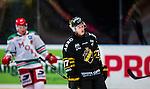 Stockholm 2014-09-27 Ishockey Hockeyallsvenskan AIK - Mora IK :  <br /> AIK:s Jacob Sp&aring;ngberg deppar<br /> (Foto: Kenta J&ouml;nsson) Nyckelord:  AIK Gnaget Hockeyallsvenskan Allsvenskan Hovet Johanneshovs Isstadion Mora MIK depp besviken besvikelse sorg ledsen deppig nedst&auml;md uppgiven sad disappointment disappointed dejected