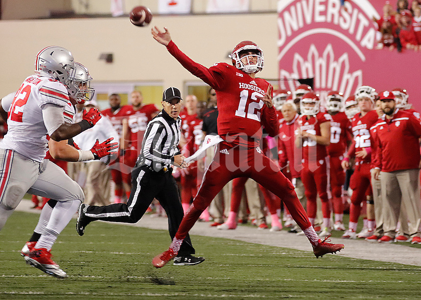 Indiana Hoosiers quarterback Zander Diamont (12) makes a desperate last throw to the end zone in an attempt to force OT at Memorial Stadium on October 3, 2015. (Chris Russell/Dispatch Photo)