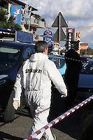 NAPOLI, ITALIA, 02.11.2016 - CRIME-ITALIA - Corpo de uma mulher foi encontrado amarrado e amordaçado no bairro de Villaricca em Napoli na Italia nesta quarta-feira, 02. (Foto: Salvatore Esposito/Brazil Photo Press)