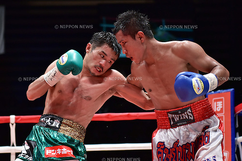 (L-R) Kohei Kono (JPN), Inthanon Sithchamuang (THA),<br /> APRIL 27, 2016 - Boxing :<br /> Kohei Kono of Japan in action against Inthanon Sithchamuang of Thailand during the eleventh round of the WBA super flyweight title bout at Ota-City General Gymnasium in Tokyo, Japan. (Photo by Hiroaki Yamaguchi/AFLO)