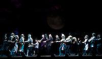 SAO PAULO, SP, 27 DE FEVEREIRO 2012 -PASSEGEM DE CENA FAMILIA ADDAMS  - Passagem de cena do espetáculo A Familia Addams, no Teatro Abril na manha desta segunda-feira, 27. (FOTO: WILLIAM VOLCOV  / BRAZIL PHOTO PRESS).