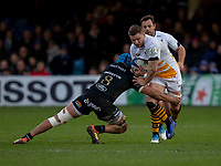 Wasps' Thomas Young is tackled by Bath Rugby's Zach Mercer<br /> <br /> Photographer Bob Bradford/CameraSport<br /> <br /> European Rugby Heineken Champions Cup Pool 1 - Bath Rugby v Wasps - Saturday 12th January 2019 - The Recreation Ground - Bath<br /> <br /> World Copyright &copy; 2019 CameraSport. All rights reserved. 43 Linden Ave. Countesthorpe. Leicester. England. LE8 5PG - Tel: +44 (0) 116 277 4147 - admin@camerasport.com - www.camerasport.com