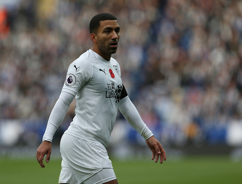 Burnley's Aaron Lennon<br /> <br /> Photographer Stephen White/CameraSport<br /> <br /> The Premier League - Saturday 10th November 2018 - Leicester City v Burnley - King Power Stadium - Leicester<br /> <br /> World Copyright © 2018 CameraSport. All rights reserved. 43 Linden Ave. Countesthorpe. Leicester. England. LE8 5PG - Tel: +44 (0) 116 277 4147 - admin@camerasport.com - www.camerasport.com