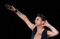 Roma, 17/07/2006 Concerto dei Depeche Mode allo Stadio Olimpico.<br /> Depeche Mode in concert at Stadio Olimpico in Rome on 17, July, 2006. <br /> Photo Samantha Zucchi Insidefoto