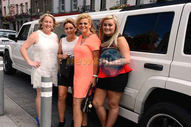 Louise O'Brien and the Divine Beauty girls travel in style in their stretch limo to her birthday party. Photo: Andy Spearman. www.newsfile.ie