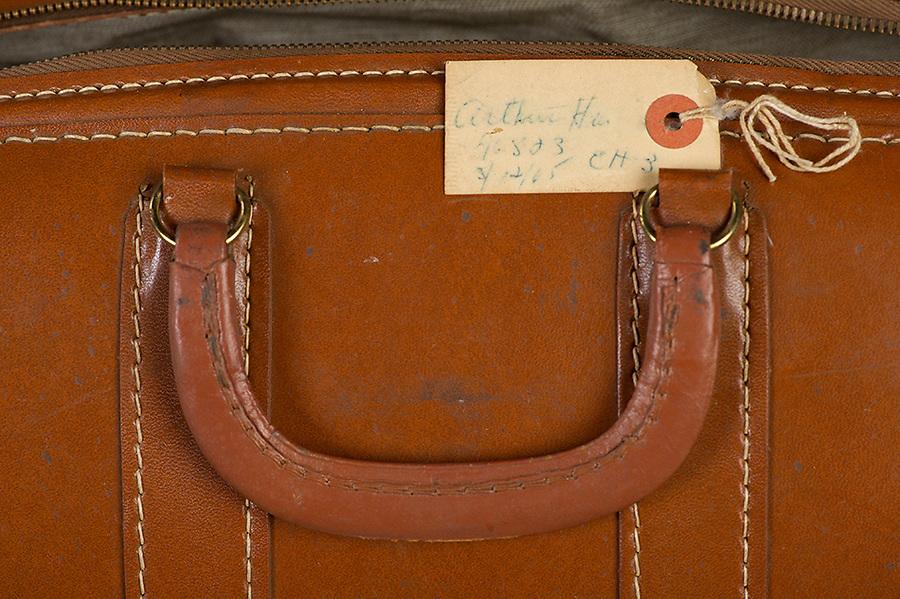 Willard Suitcases / Arthur H / ©2014 Jon Crispin