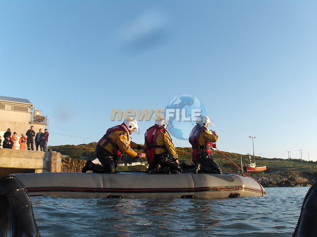 Irish Coast Guard Drogheda Unit, D-class capsize drill..Photo: Newsfile/Fran Caffrey.