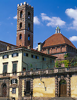 Tuscany, Italy<br /> The church of San Giovanni from the Piazza San Martino in the town of Lucca