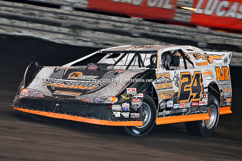 Sep 26, 2013; 7:25:04 PM; Knoxville, IA., USA; 10th Annual Lucas Oil Late Model Knoxville Nationals presented by Caseys General Stores at the Knoxville Raceway.  Mandatory Credit: (thesportswire.net)