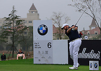 Shane Lowry (IRL) tees off the 6th tee during Saturay's Round 3 of the 2014 BMW Masters held at Lake Malaren, Shanghai, China. 1st November 2014.<br /> Picture: Eoin Clarke www.golffile.ie