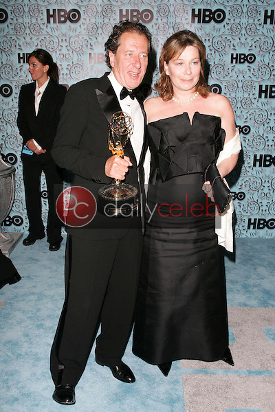 Geoffrey Rush and Jane Menelaus<br />At the HBO Emmy After Party. Pacific Design Center,Los Angeles, CA. 09-18-05<br />Dave Edwards/DailyCeleb.Com 818-249-4998