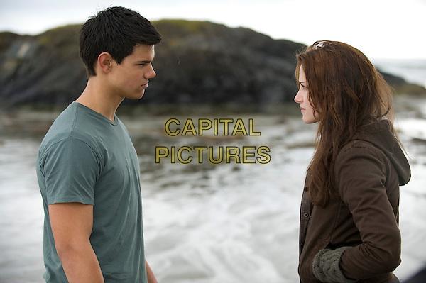 Taylor Lautner, Kristen Stewart<br /> in The Twilight Saga: Breaking Dawn - Part 2 (2012) <br /> *Filmstill - Editorial Use Only*<br /> FSN-D<br /> Image supplied by FilmStills.net