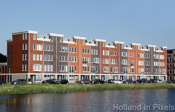 Almere- Almere Poort. Nieuwbouw aan het water. Frankrijkkade