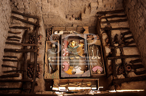 Sipan, Peru. Pre-Inca burial of El Hombre de Sipan with burial goods and acolytes.