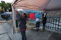 Querétaro, Qro. 06 de marzo de 2014.- Después de la asamblea realizada esta tarde,  el STEUAQ (Sindicato de Trabajadores y Empleados de la UAQ)  aceptó la propuesta de la rectoría y la intervención del gobierno del estado. Con ello se resuelve el conflicto en esta institución educativa.<br /> <br /> En entrevista con medios, Gilberto Herrera dijo que repondrán clases, en las que se ya se están buscando los mecanismos con los directores de las facultades para la recuperar esta semana.  <br /> Foto: Demian Chávez / Obture Press Agency. <br /> <br /> <br /> <br /> Huelga, UAQ, STEUAQ, conflicto.