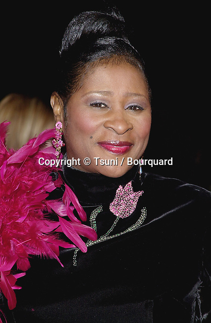 Dottie Peoples arriving at the 32th NAACP Image Awards in Los Angeles  3/1/2001  © TsuniDottiePeoples01.jpg