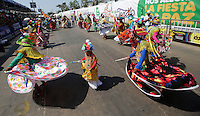 BARRANQUILLA-COLOMBIA- 26-02-2017: Gran Parada, Desfile Tradición del carnaval 2017. Carnaval de Barranquilla 2017 invita a todos los colombianos a contagiarse del Jolgorio general de una de las festividades más importantes del país y que se lleva a cabo del 9 hasta el 28 de febrero de 2016. / Gran Parada, Tradicion parade of the Carnaval 2017. Carnaval de Barranquilla 2017 invites all Colombians to catch the general reverly that make it one of the most important festivals of the country and take place until February 28, 2017.   Photo: VizzorImage / Santiago Perez / Cont