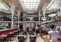 France, Allier (03), Moulins, le Grand Café // France, Allier, Moulins, the Grand Cafe