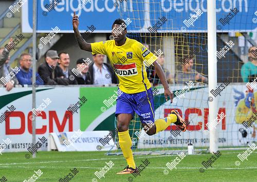 2013-08-31 / voetbal / seizoen 2013-2014 / Westerlo - Vise / Jaime Alfonso Ruiz (l) heeft zojuist de 1-0 voor Westerlo binnengekopt