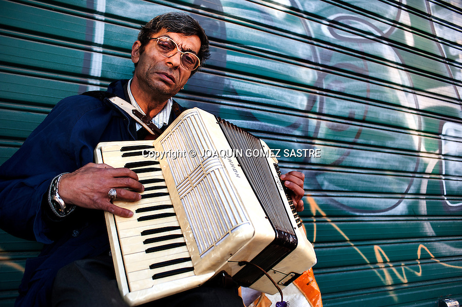 Gheorghe Dumitru Romanian street musician, earns his living playing in the streets of Valencia<br />