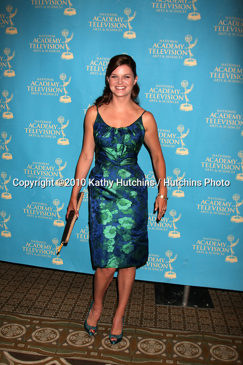 LOS ANGELES - JUN 25:  Heather Tom arrive(s) at the 2010 Creative Daytime Emmys  Bonaventure Hotel in.Los Angeles, CA on June 25, 2010...